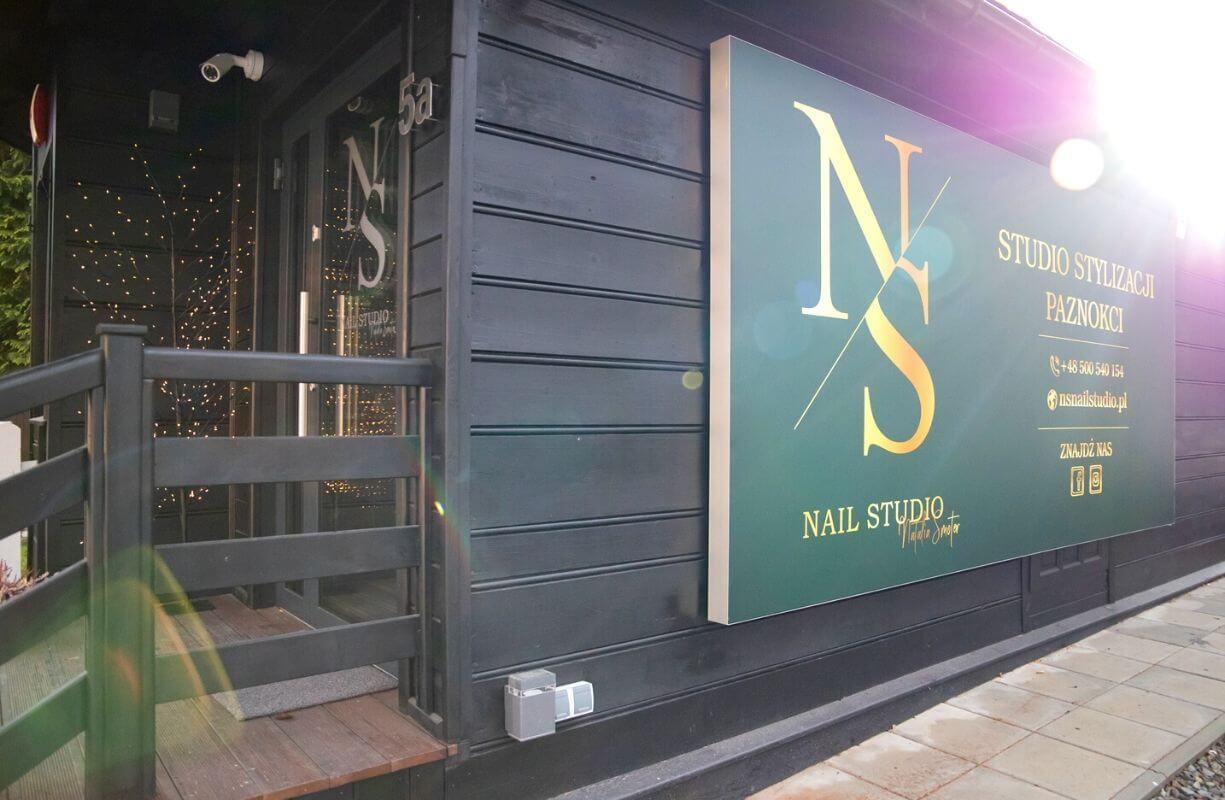 NS Nail studio z zewnątrz